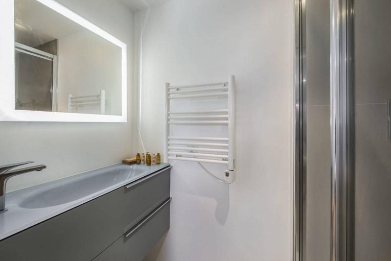 Courchevel 1300 Luxury Rental Chalet Niutine Bathroom 3