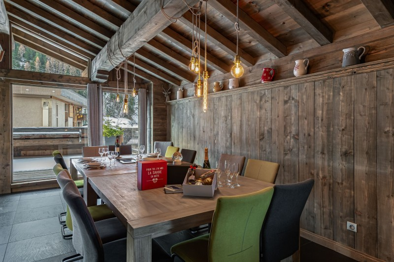 Courchevel 1300 Luxury Rental Chalet Noubate Dining Room