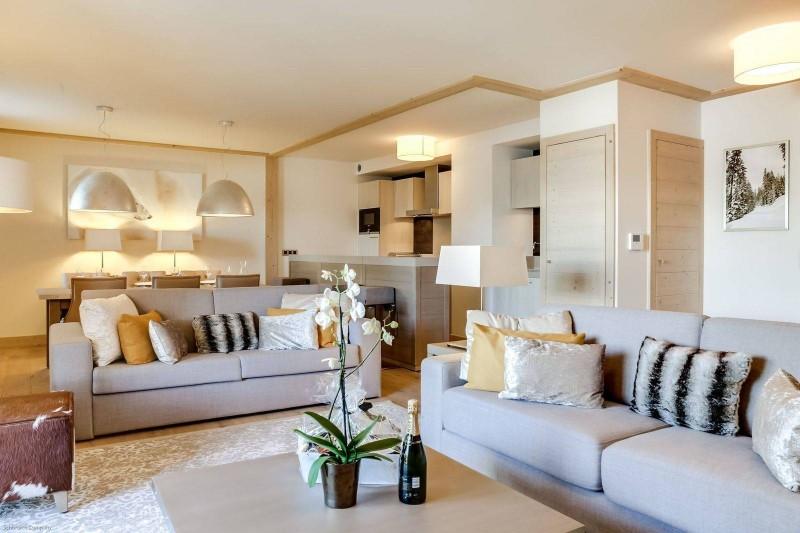 Courchevel 1550 Luxury Rental Appartment Telamite Living Room 3