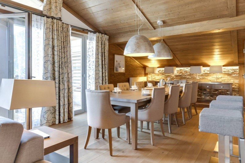 Courchevel 1550 Luxury Rental Appartment Telemite Dining Room