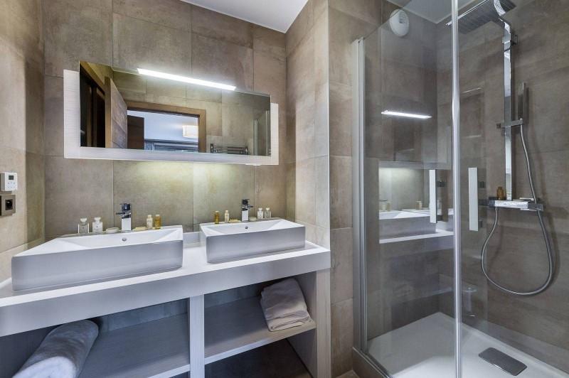 Courchevel 1550 Luxury Rental Appartment Telokia Bathroom 3