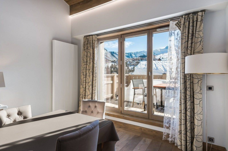 Courchevel 1550 Location Appartement Luxe Telukia Salle A Manger 2