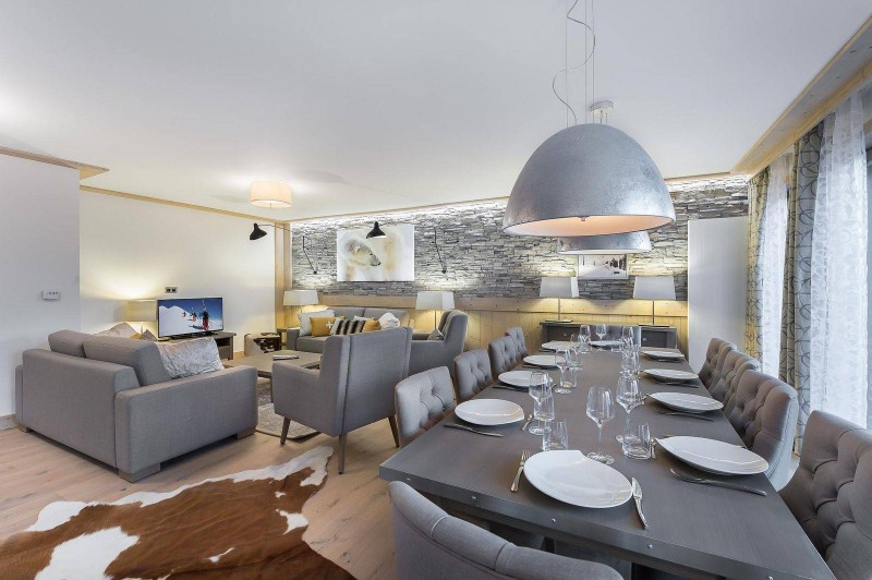 Courchevel 1550 Luxury Rental Appartment Telumite Dining Room