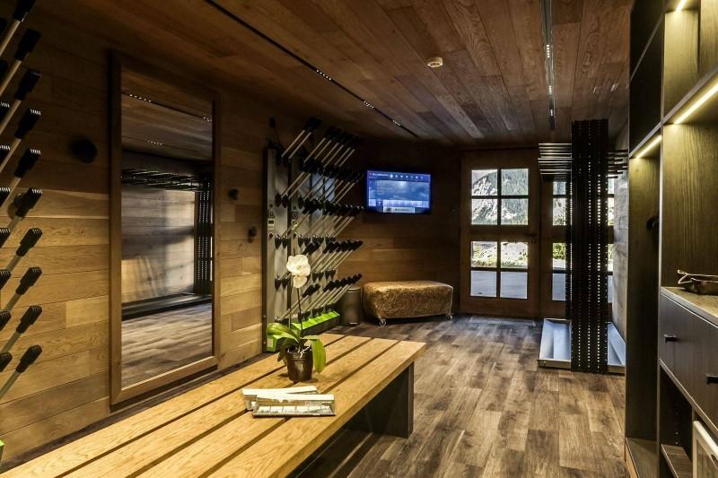 Courchevel 1550 Luxury Rental Chalet Niebite Ski Room 4
