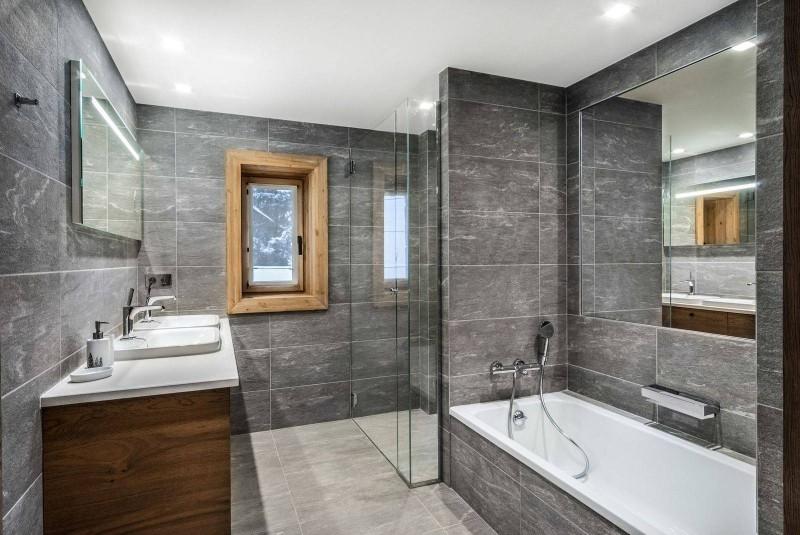 Courchevel 1550 Luxury Rental Chalet Niebite Bathroom
