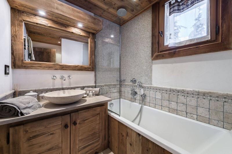 Courchevel 1550 Luxury Rental Chalet Niobite Bathroom 4