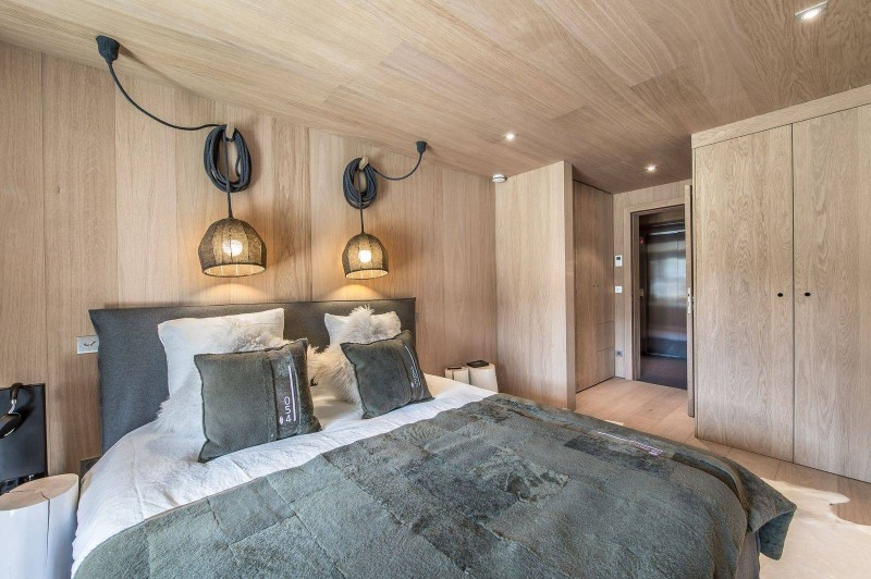 Courchevel 1550 Luxury Rental Chalet Niubite Bedroom 4