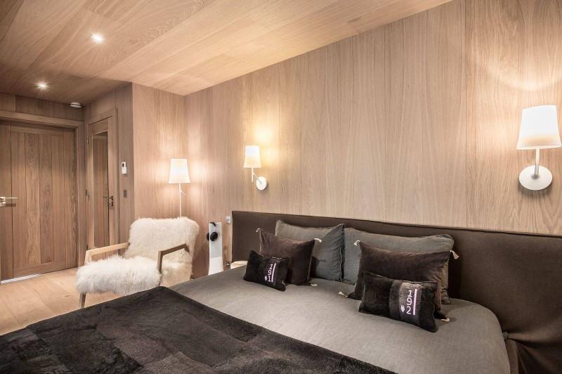 Courchevel 1550 Luxury Rental Chalet Niubite Bedroom 6