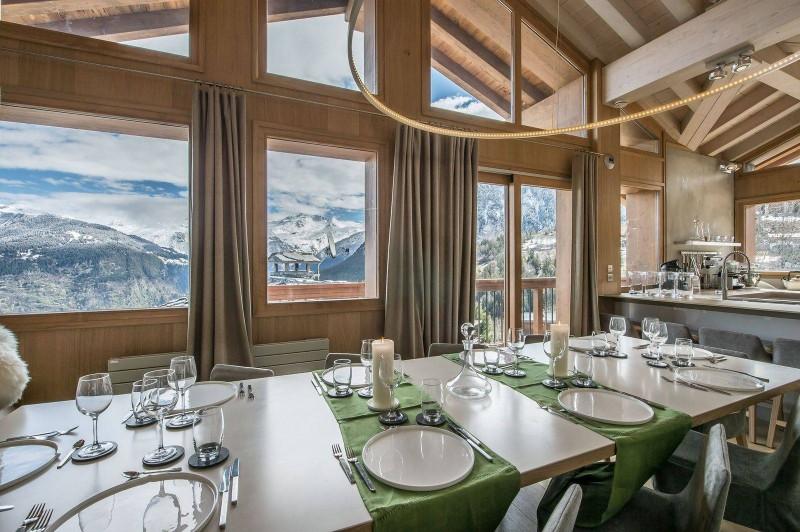 Courchevel 1550 Luxury Rental Chalet Niubite Dining Room