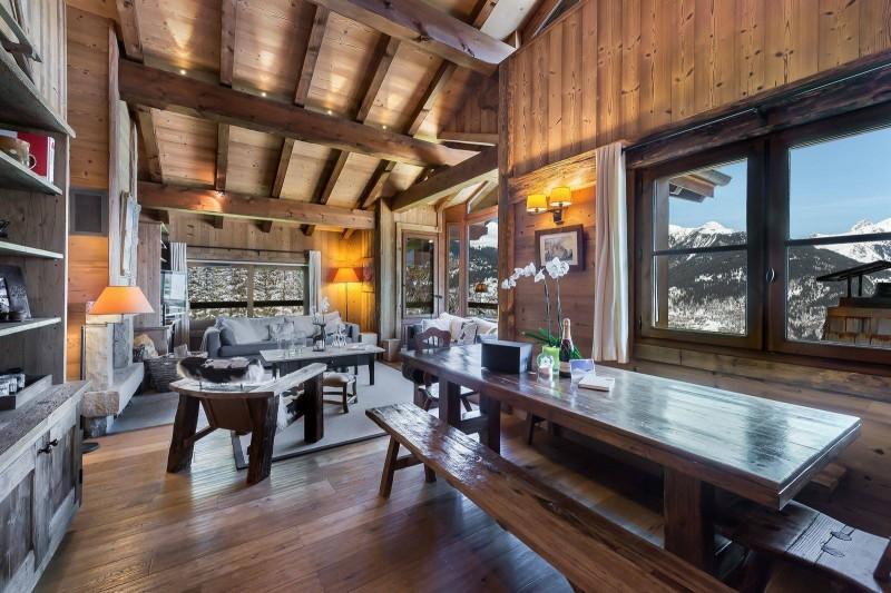 Courchevel 1550 Luxury Rental Chalet Niuréole Dining Room