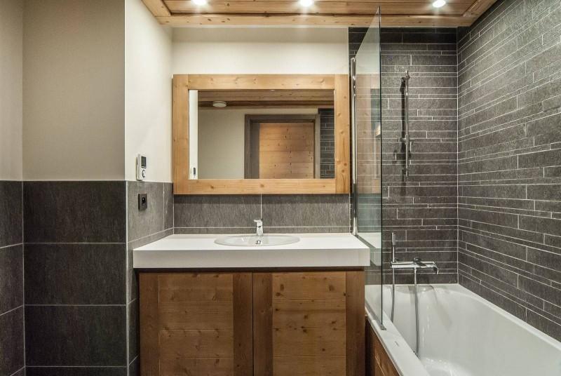 Courchevel 1550 Luxury Rental Chalet Niurer Bathroom 2