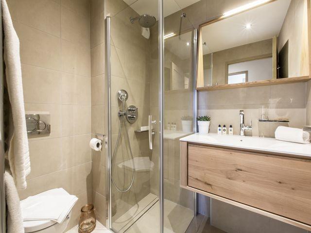 Courchevel 1650 Luxury Rental Appartment Agrelite Bathroom