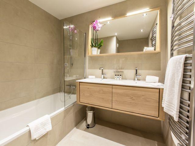 Courchevel 1650 Luxury Rental Appartment Agrelite Bathroom 2