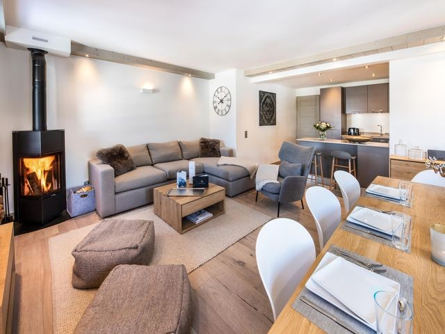Courchevel 1650 Luxury Rental Appartment Agrelite Living Room 2