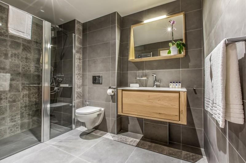 Courchevel 1650 Luxury Rental Appartment Akorlonte Bathroom 2