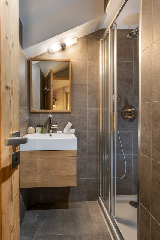 Courchevel 1650 Luxury Rental Appartment Aleksite Bathroom 2