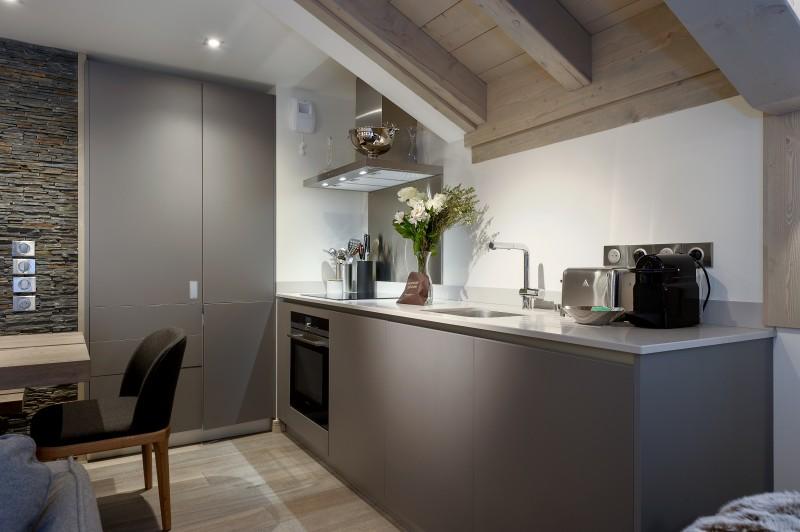 Courchevel 1650 Luxury Rental Appartment Altanto Kitchen