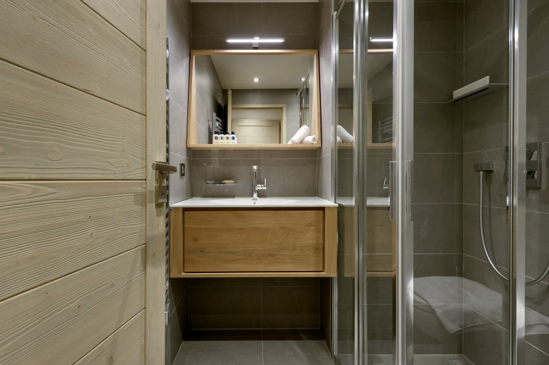 Courchevel 1650 Luxury Rental Appartment Altanto Bathroom 2