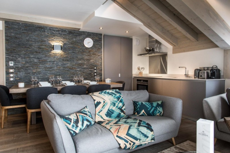 Courchevel 1650 Luxury Rental Appartment Altanto Living Room 2