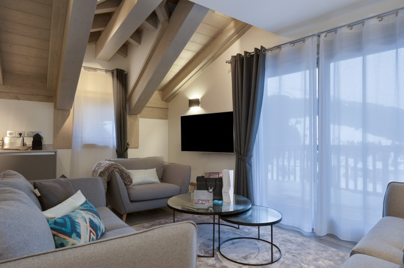 Courchevel 1650 Luxury Rental Appartment Altanto Living Room 3