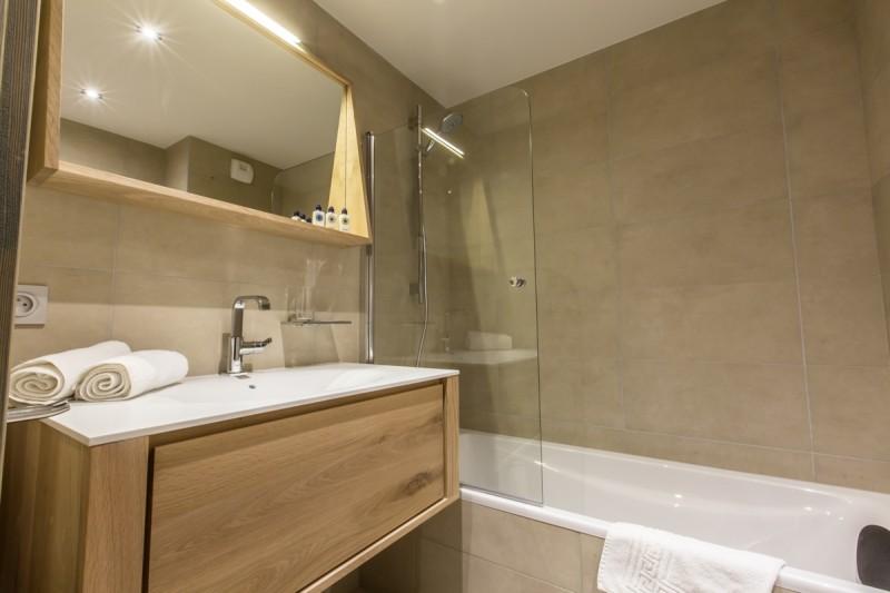 Courchevel 1650 Location Appartement Luxe Alti Salle De Bain 2