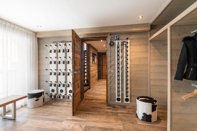 Courchevel 1650 Luxury Rental Appartment Amerile Ski Room
