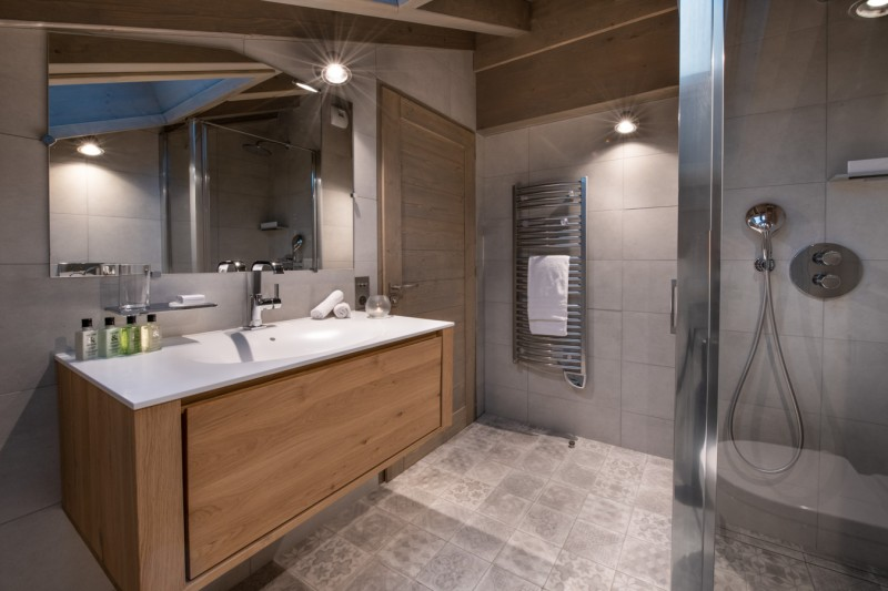 Courchevel 1650 Luxury Rental Appartment Amerile Bathroom