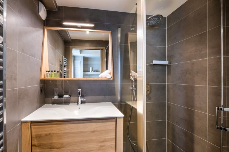 Courchevel 1650 Luxury Rental Appartment Amerile Bathroom 4