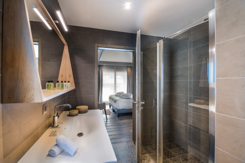 Courchevel 1650 Luxury Rental Appartment Amerile Bathroom 5