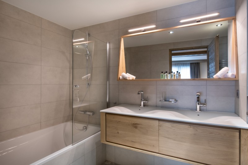 Courchevel 1650 Luxury Rental Appartment Amerile Bathroom 7