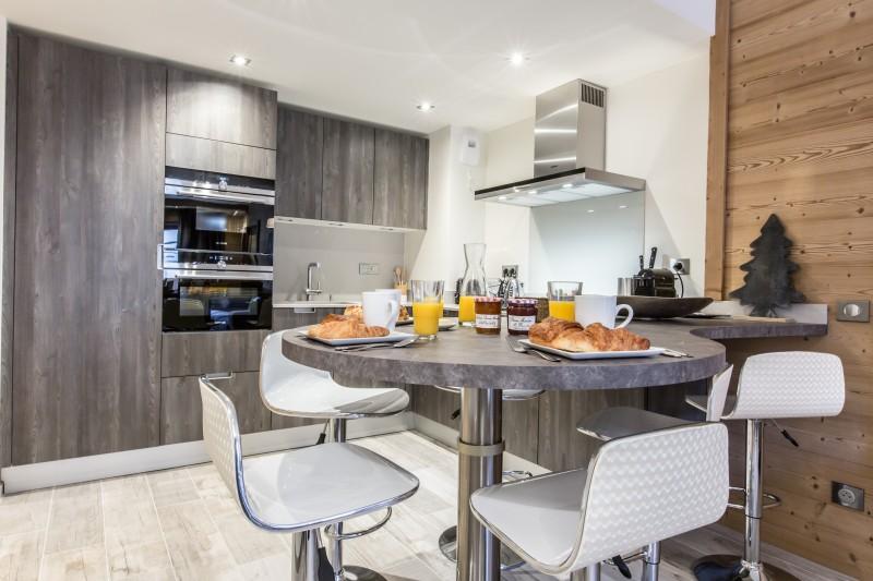 Courchevel 1650 Luxury Rental Appartment Amicite Kitchen 2