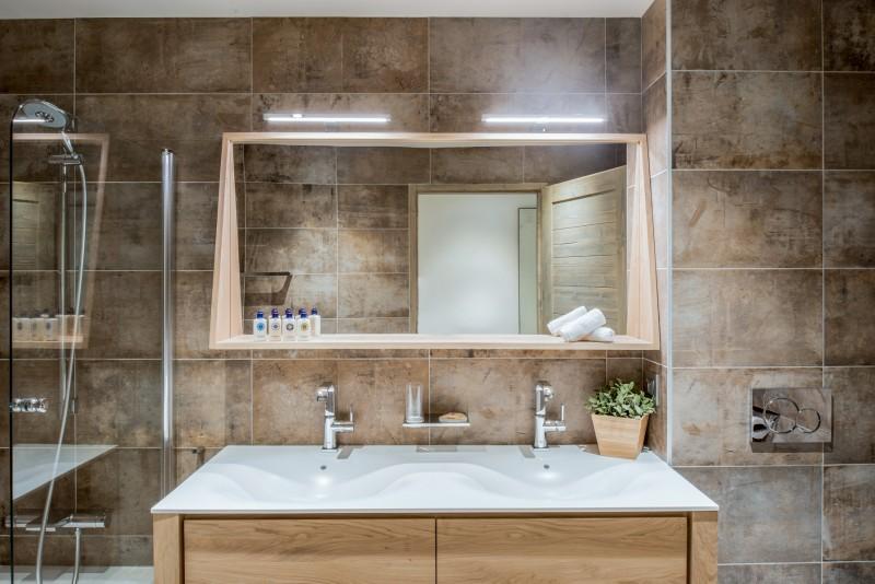 Courchevel 1650 Luxury Rental Appartment Amurile Bathroom 2