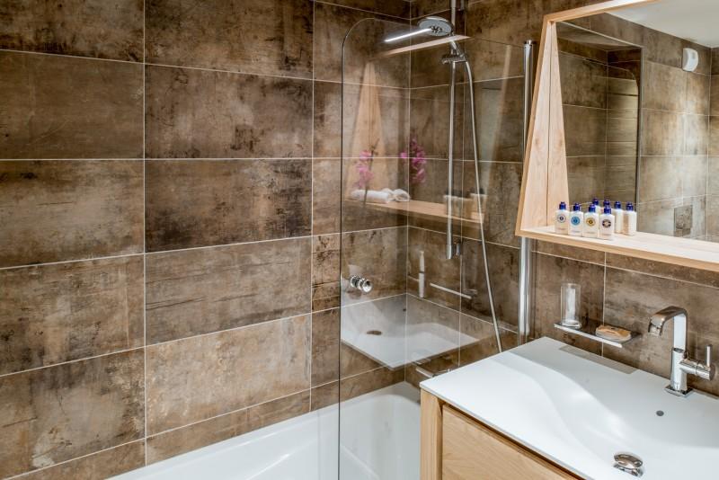 Courchevel 1650 Luxury Rental Appartment Amurile Bathroom 6