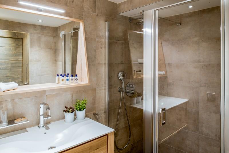 Courchevel 1650 Luxury Rental Appartment Amurile Bathroom 5