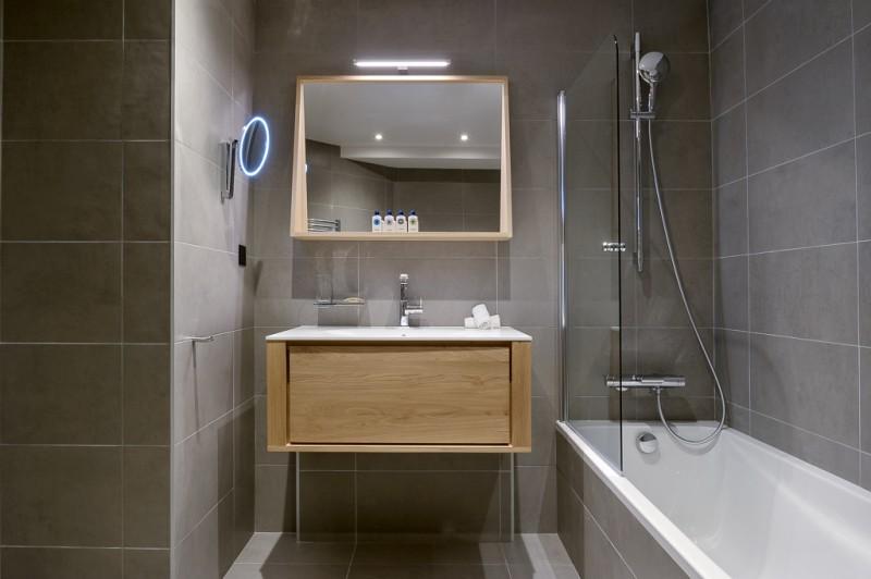 Courchevel 1650 Luxury Rental Appartment Angelite Bathroom 2