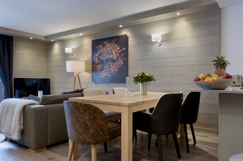 Courchevel 1650 Luxury Rental Appartment Apatite Dining Room