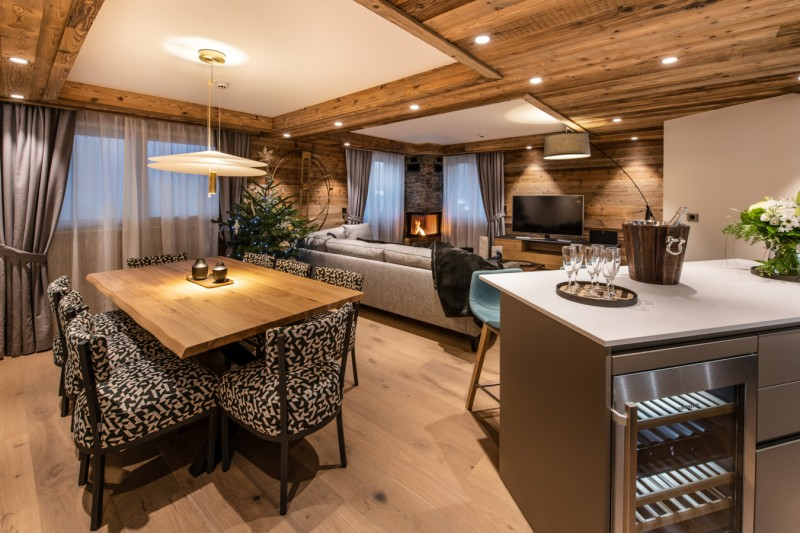 Courchevel 1650 Luxury Rental Appartment Aurilite Dining Room
