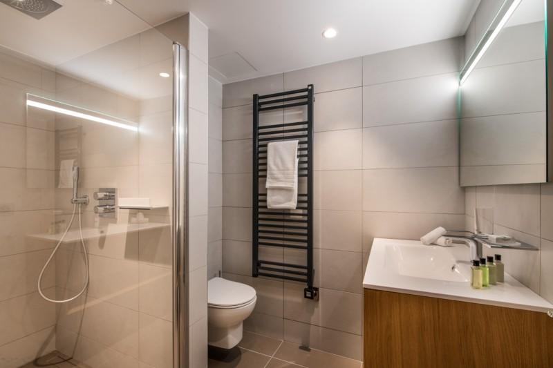 Courchevel 1650 Luxury Rental Appartment Aurilite Bathroom