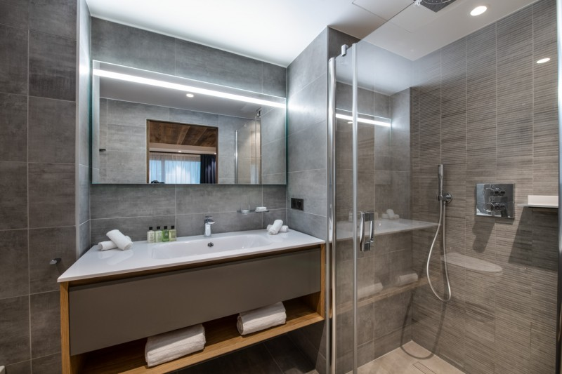 Courchevel 1650 Luxury Rental Appartment Aurilite Bathroom 3