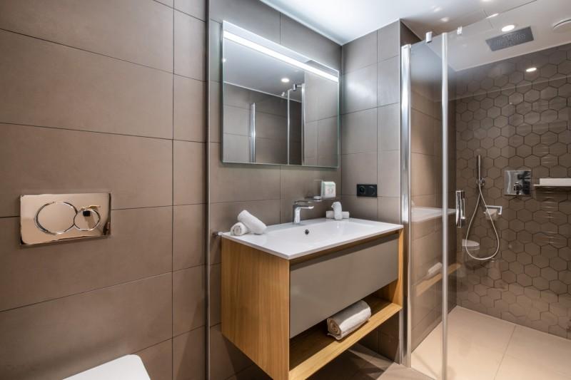 Courchevel 1650 Luxury Rental Appartment Aurolite Bathroom 5