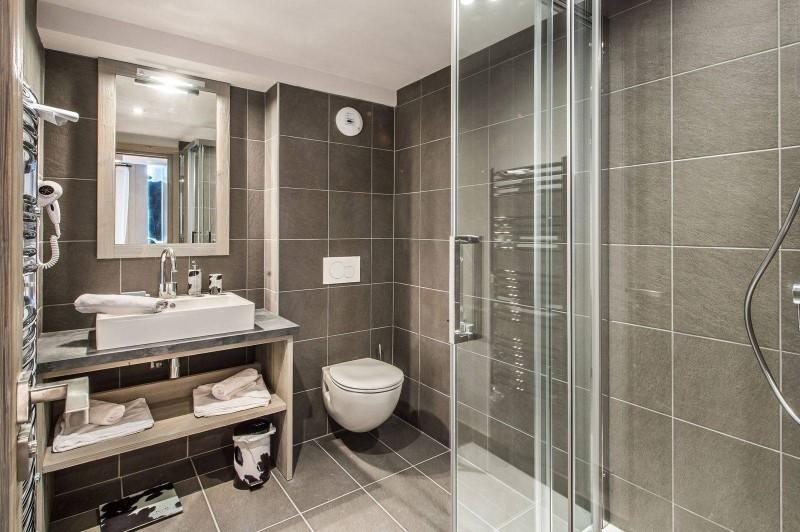 Courchevel 1650 Luxury Rental Appartment Dalersi Bathroom