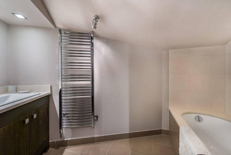 Courchevel 1650 Luxury Rental Appartment Neroflier Bathroom 2