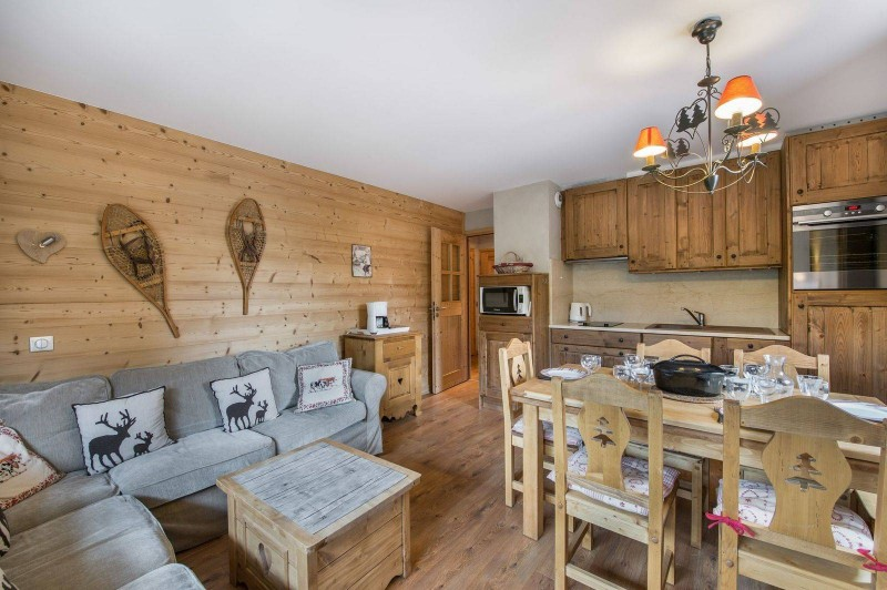 Courchevel 1650 Luxury Rental Appartment Temadere Living Room 3
