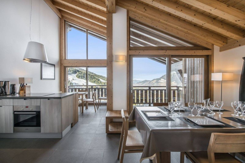Courchevel 1650 Luxury Rental Appartment Temagamite Dining Room