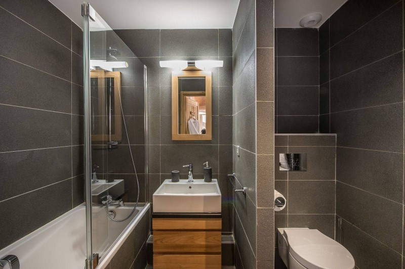 Courchevel 1650 Luxury Rental Appartment Temagamite Bathroom
