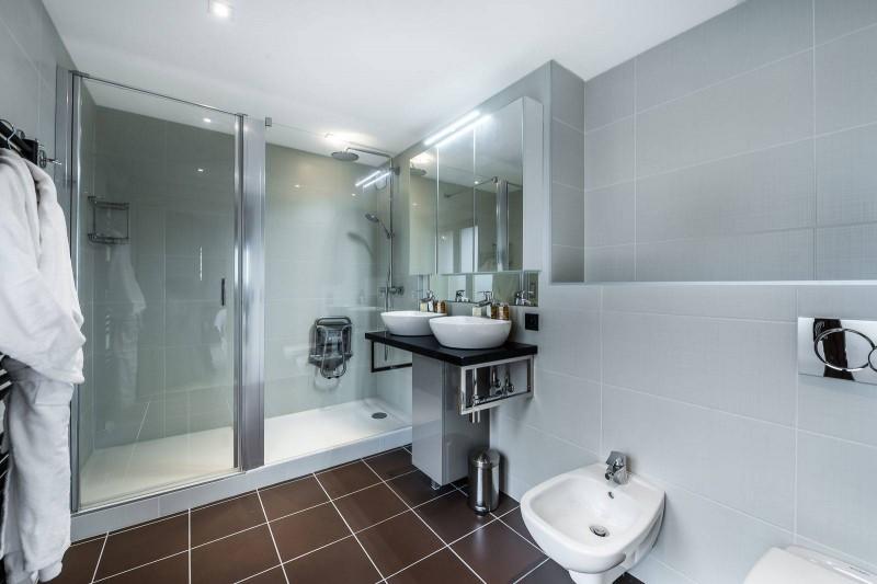 Courchevel 1650 Luxury Rental Appartment Bathroom