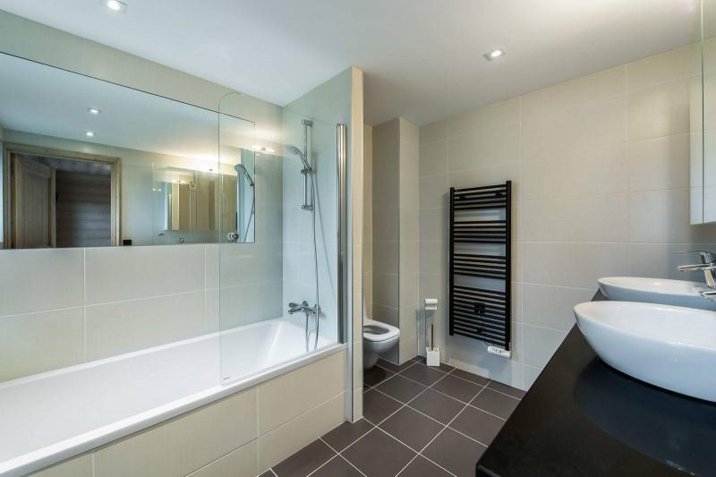 Courchevel 1650 Luxury Rental Appartment Bathroom 2