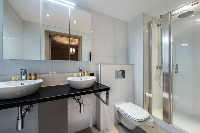 Courchevel 1650 Luxury Rental Appartment Bathroom 4