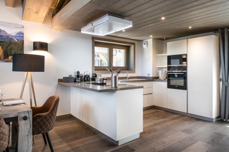 Courchevel 1650 Luxury Rental Chalet Akarlonte Kitchen