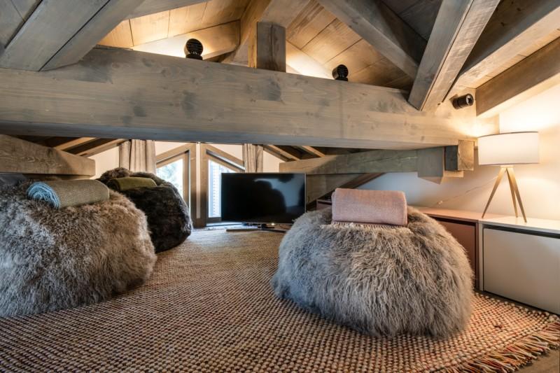 Courchevel 1650 Luxury Rental Chalet Akarlonte Mezzanine